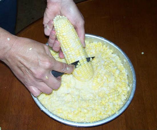 Tách hạt ngô
