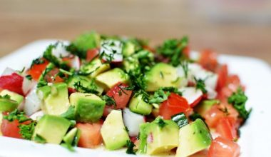 Salad trái bơ giúp giảm cân giữ dáng