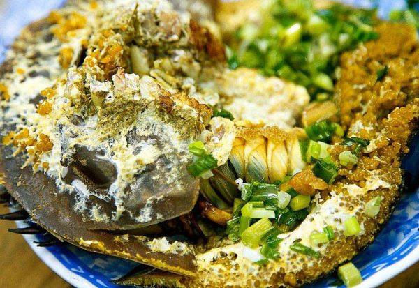 Sam biển ăn rất mát nhưng nếu nhầm lẫn, ăn phải so biển sẽ sẽ bị ngộ độc