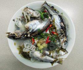 Món cá úc nấu lá me non món ngon vùng Cửa Đại